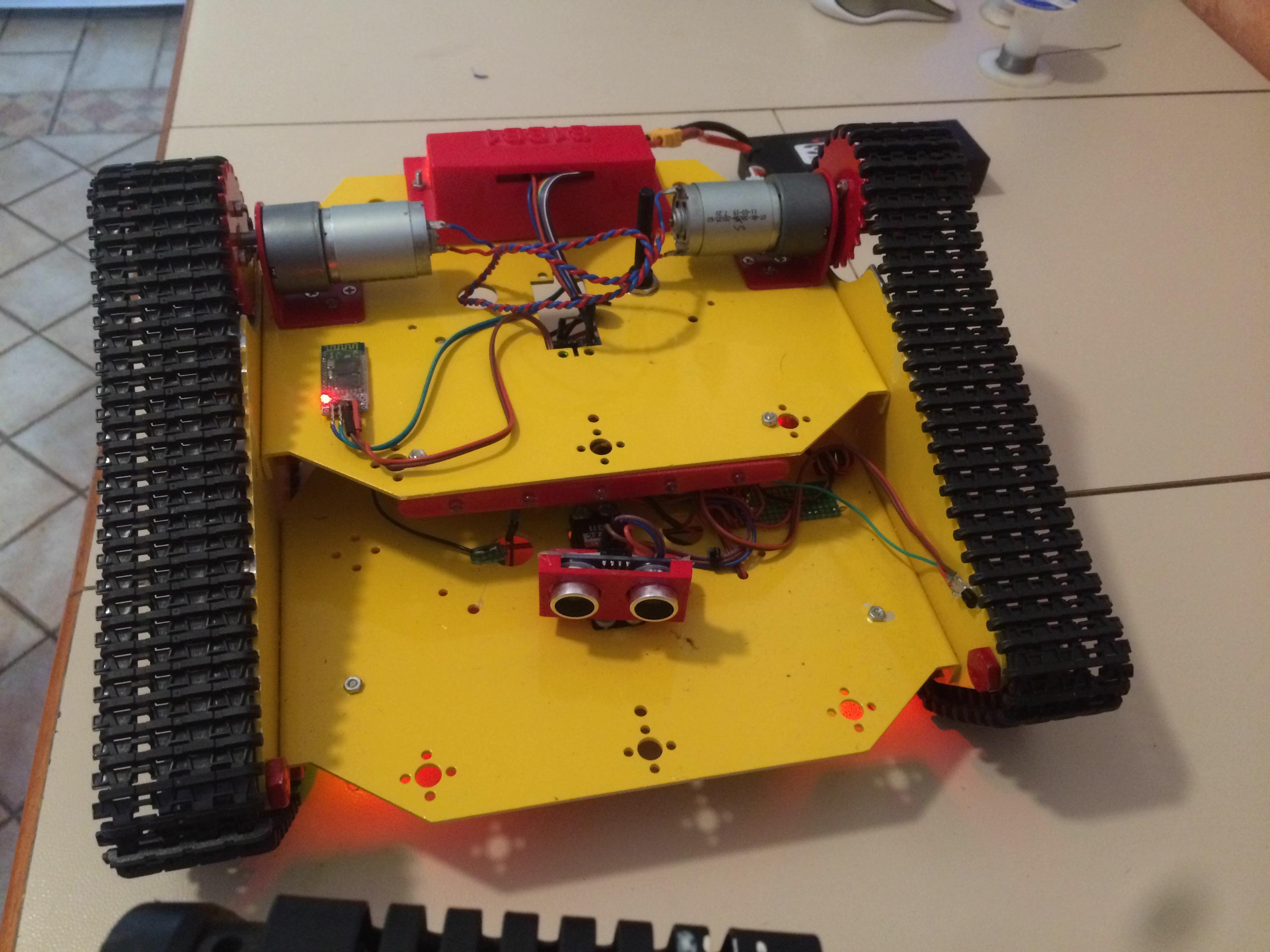 Il progetto del rover cingolato del lettore Mario